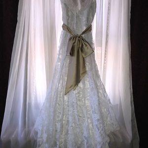 WEDDING DRESS!!!